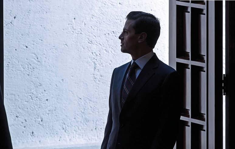 Rodeado de lujos en España, Peña se queda solo