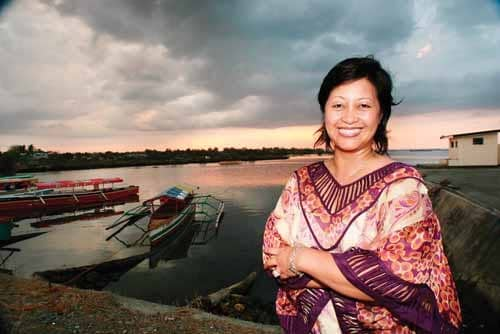 SECOND GENERATION FilAm FINDS HER ROOTS (AND MAKES MONEY) IN SUPPORTING PHILIPPINE SEA SALT