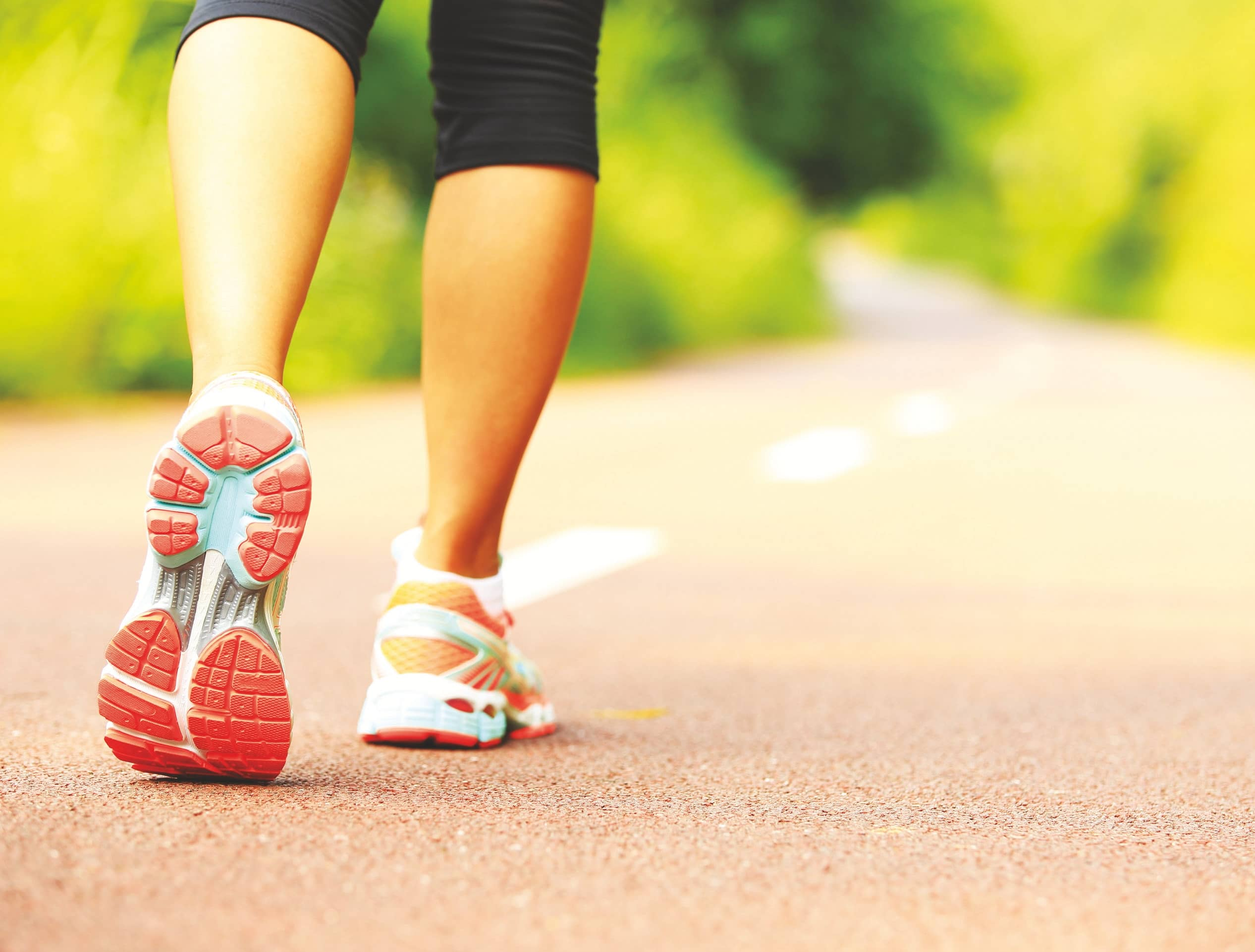 5 ways your DAILY WALK boosts your mental health