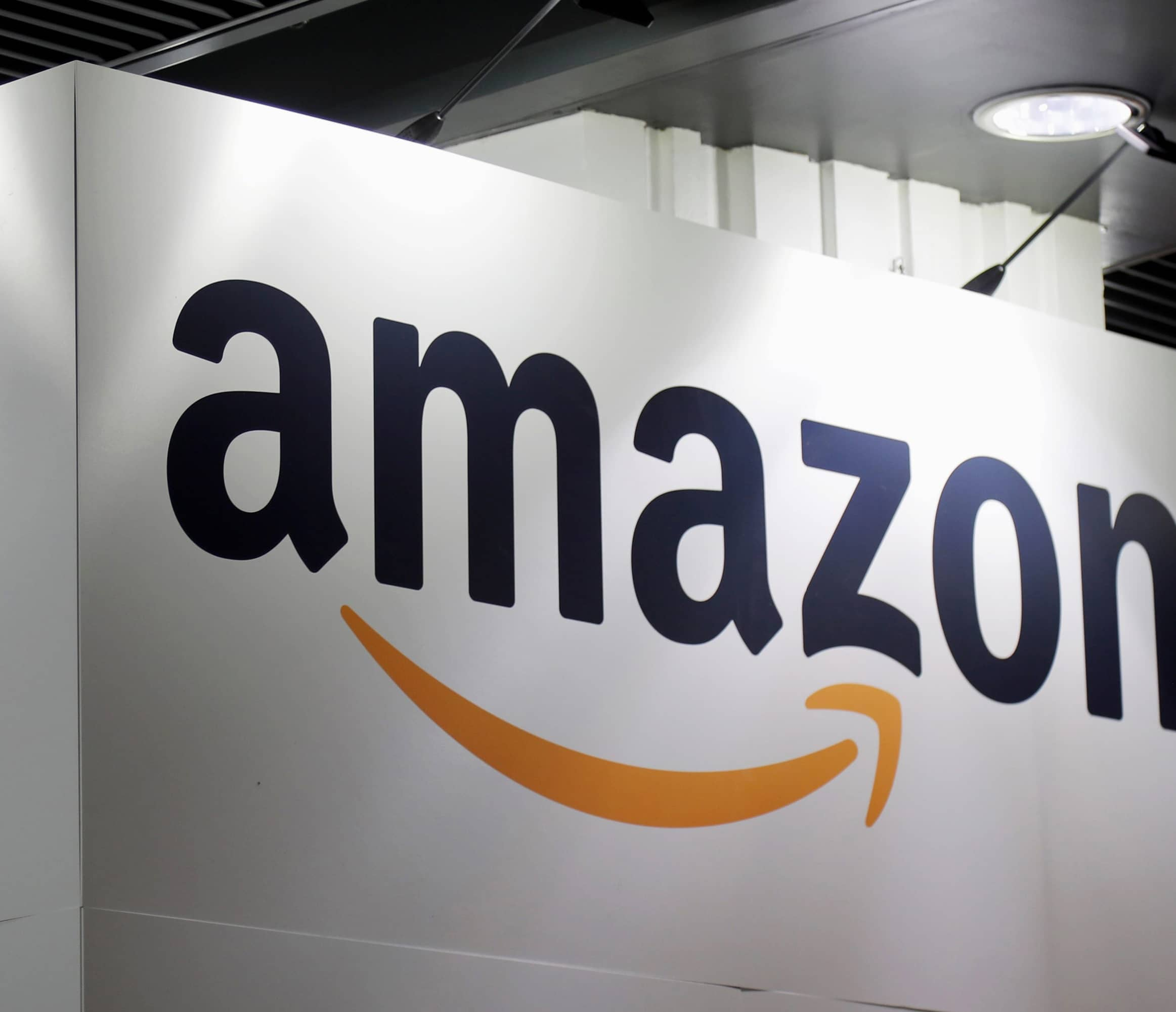 Amazon Opens 30,000 Jobs; Holds Nationwide Job Fair