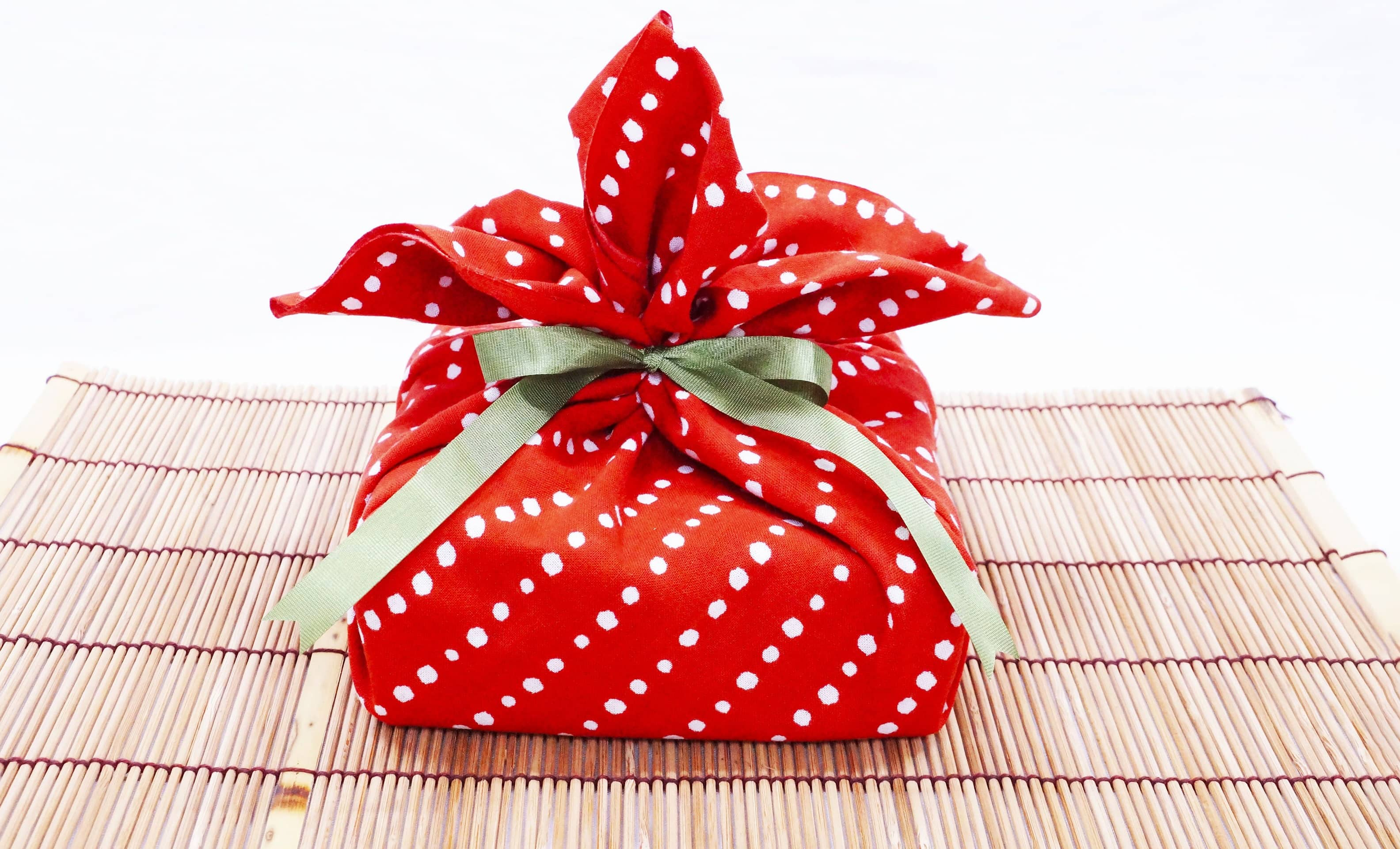 Gift-Wrapping This Season Trends Jazzy But Sustainable