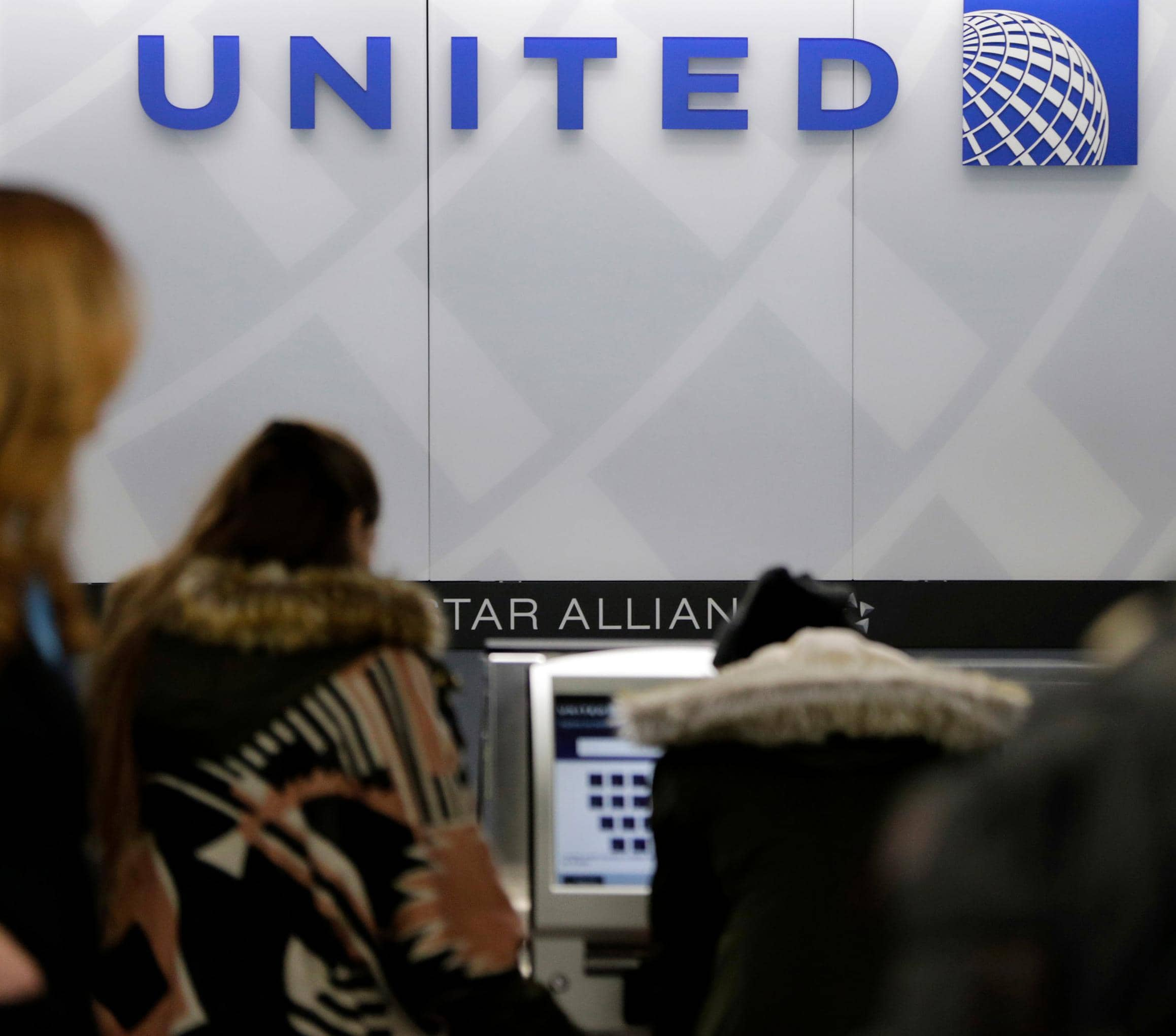 United Is First To Cut US Flying Due To Virus Outbreak
