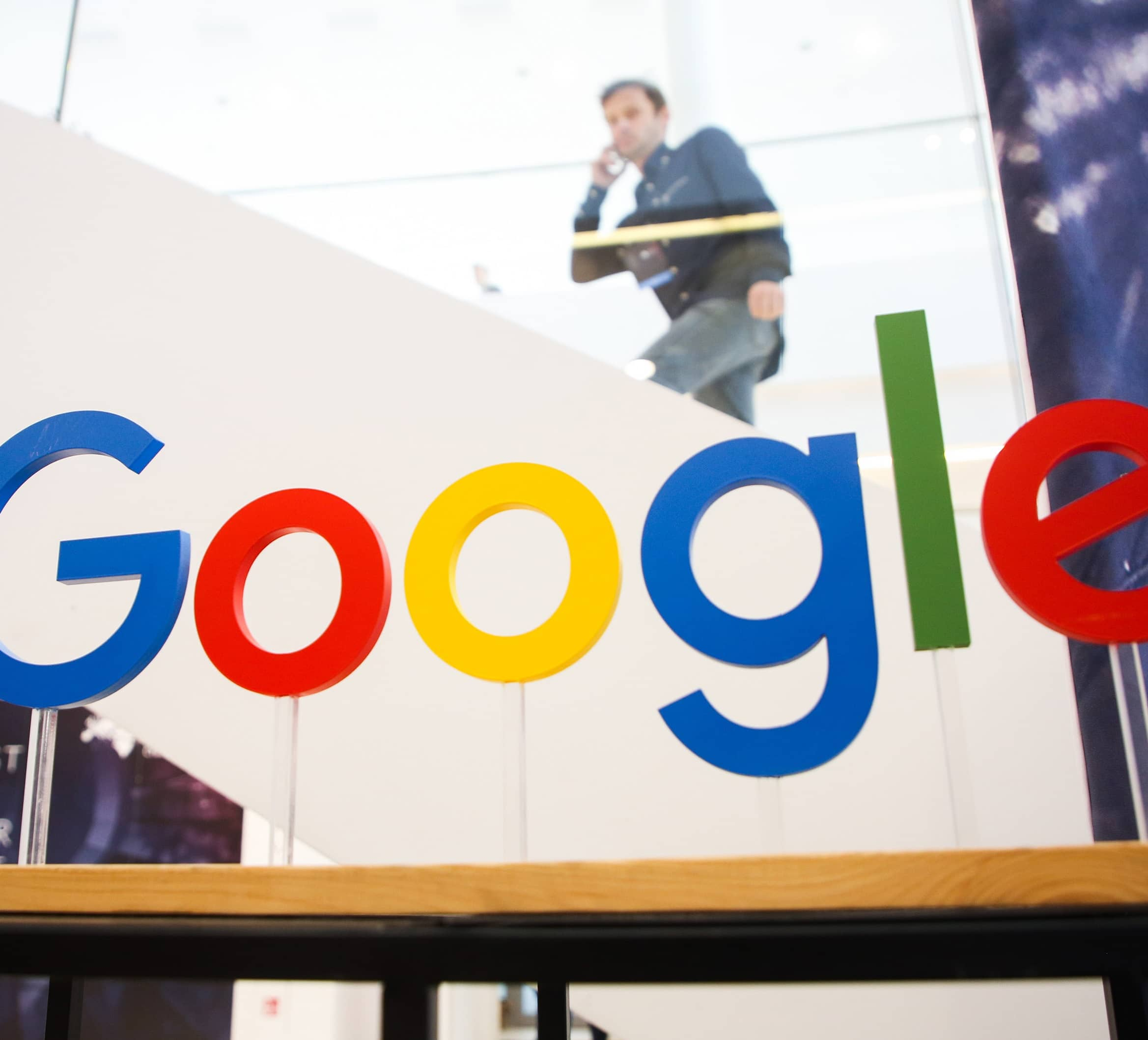 GOOGLE TO START PAYING SOME NEWS PUBLISHERS FOR CONTENT