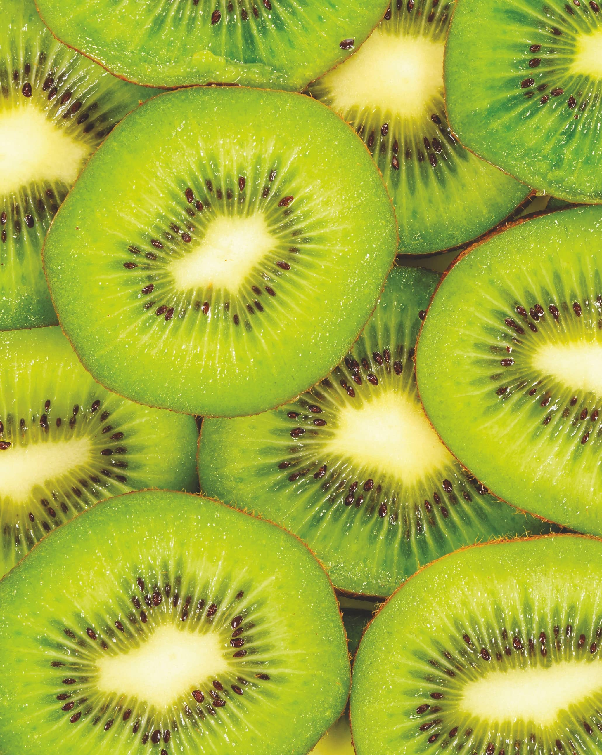 6 Super Benefits of a Powerful Super Fruit Kiwi
