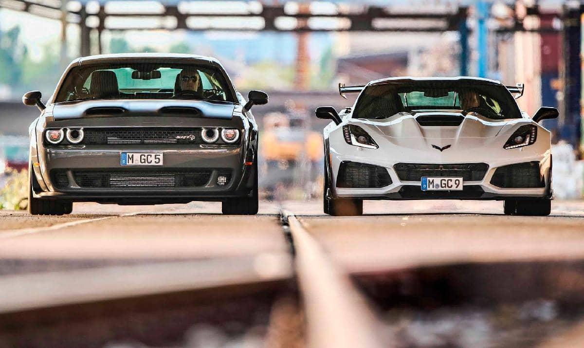 Comparativa / Chevrolet Corvette ZR1 vs. Dodge Challenger SRT Hellcat Redeye / iPAR DE GRANUJAS!