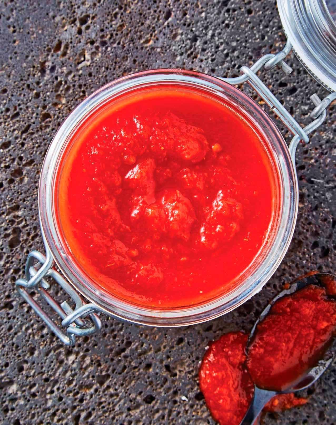 Jitomate – Una salsa: tres comidas