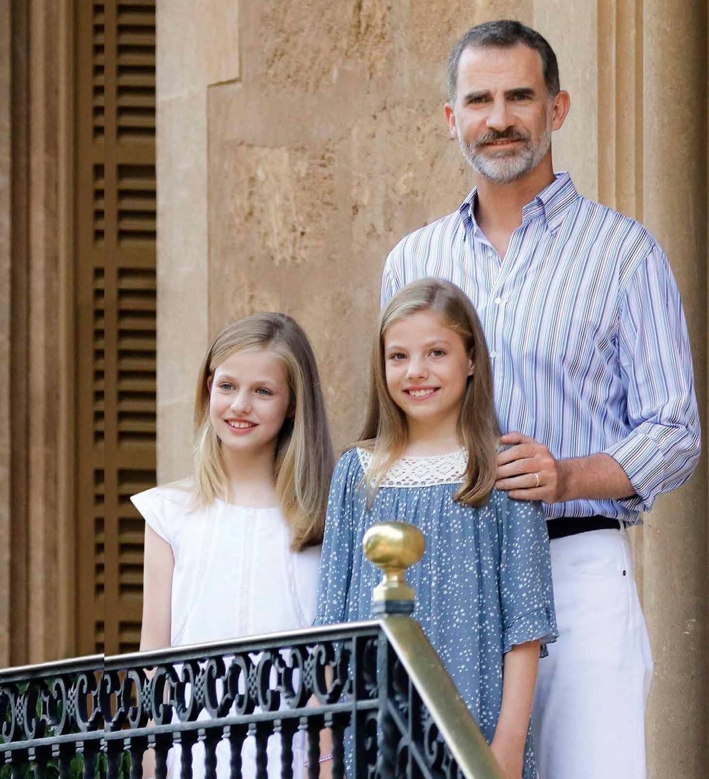 Padre y monarca, EL DOBLE ROL DE LOS ROYALS