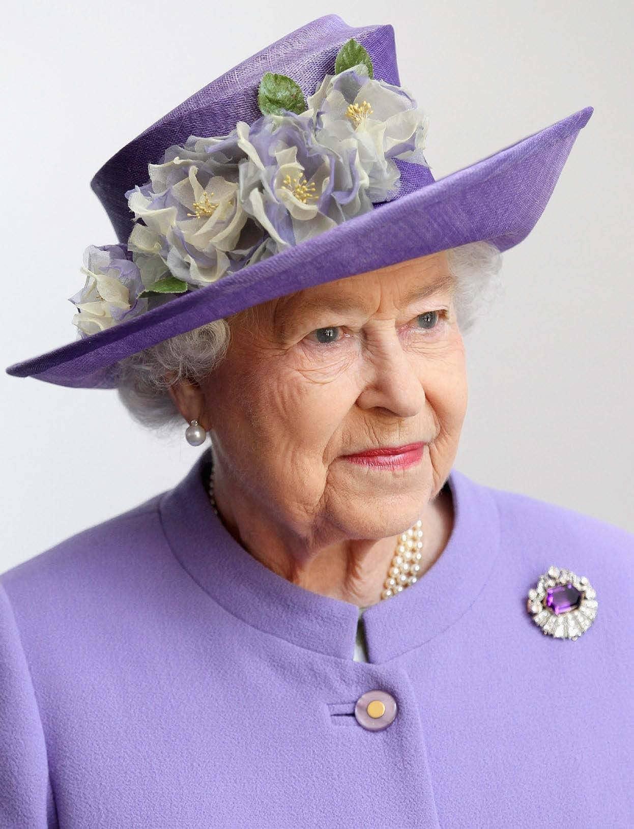 The Queen SECRETS of her REIGN