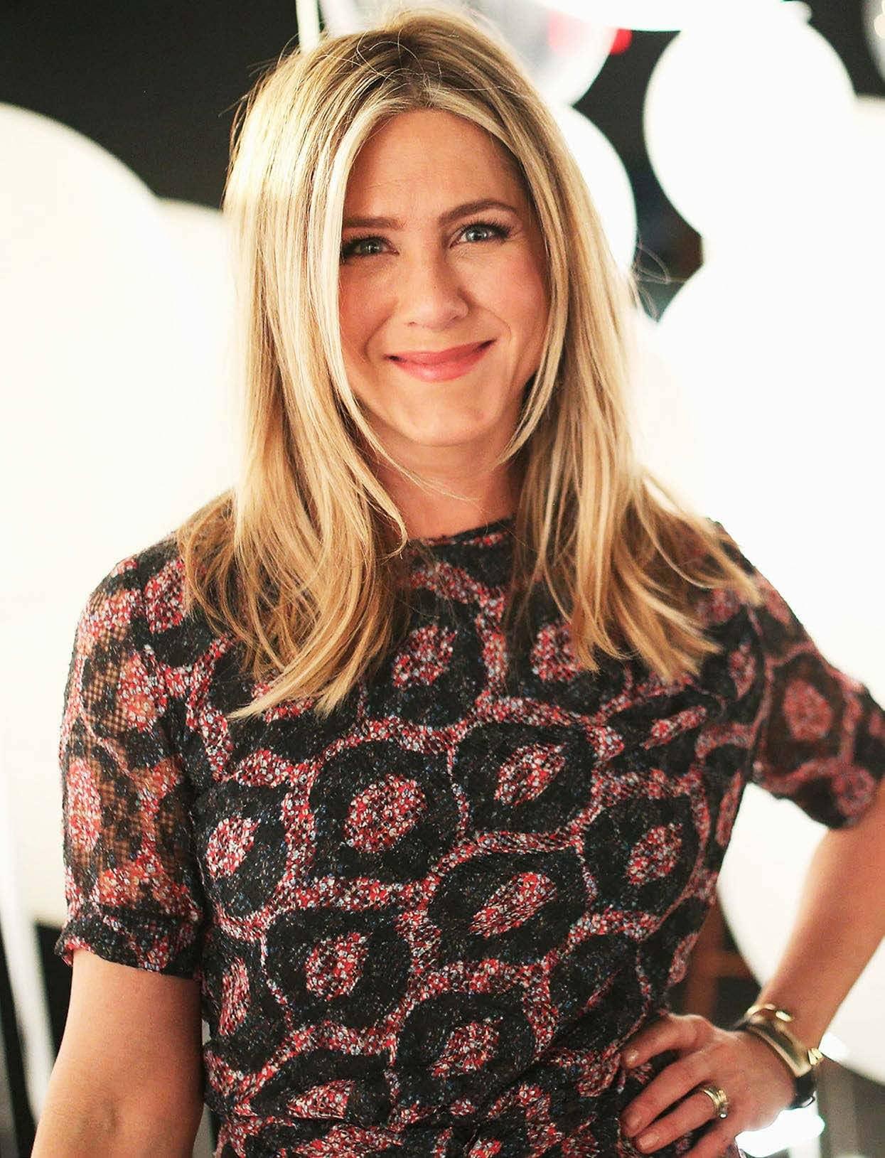 Jennifer Aniston 'I Haven't Given Up On Love'