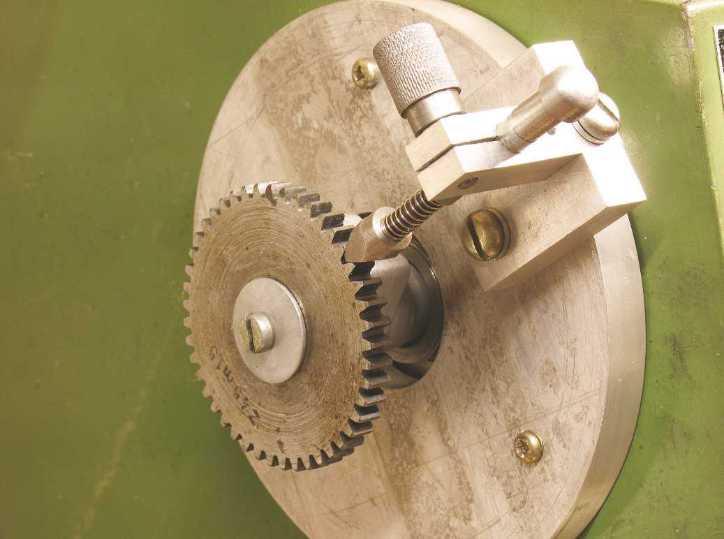 Dividing on the Warco 220 Lathe