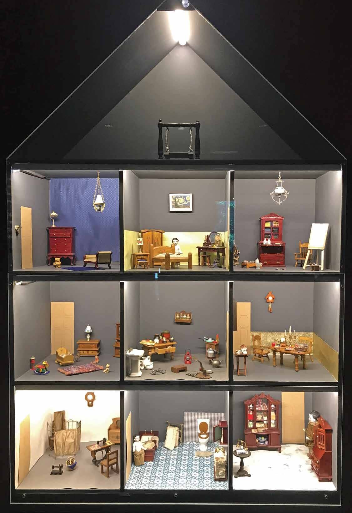 Does size matter? Exploring the aesthetics of miniatures