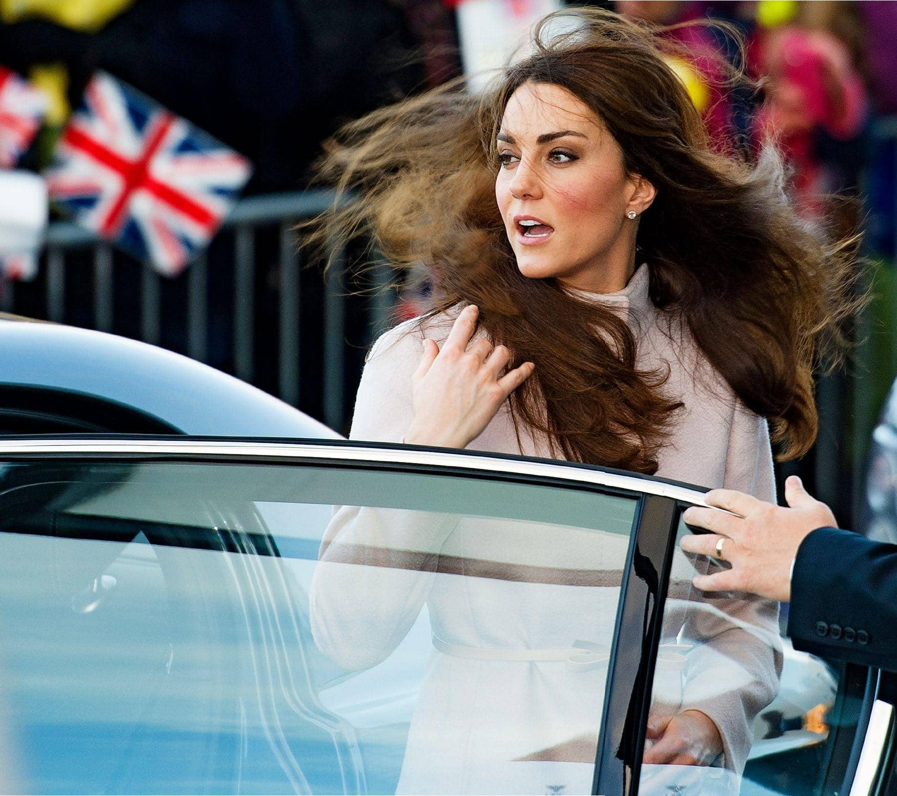 Kate & Wills Forced To Flee The Palace!
