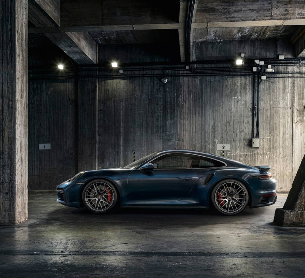 THE NEW GENERATION PORSCHE 911 TURBO: ACCELERATING POWERFUL PERFORMANCE