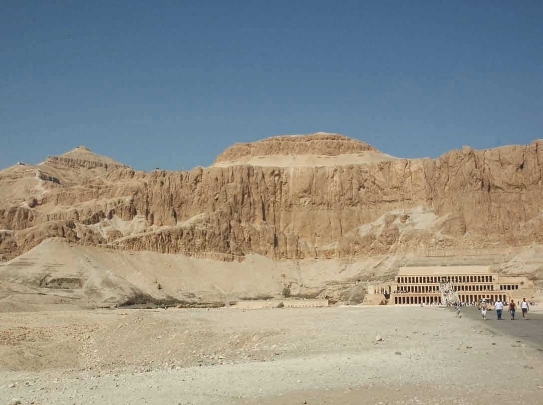 THE SLAIN SOLDIERS OF TOMB 507: AN EGYPTOLOGICAL MYSTERY