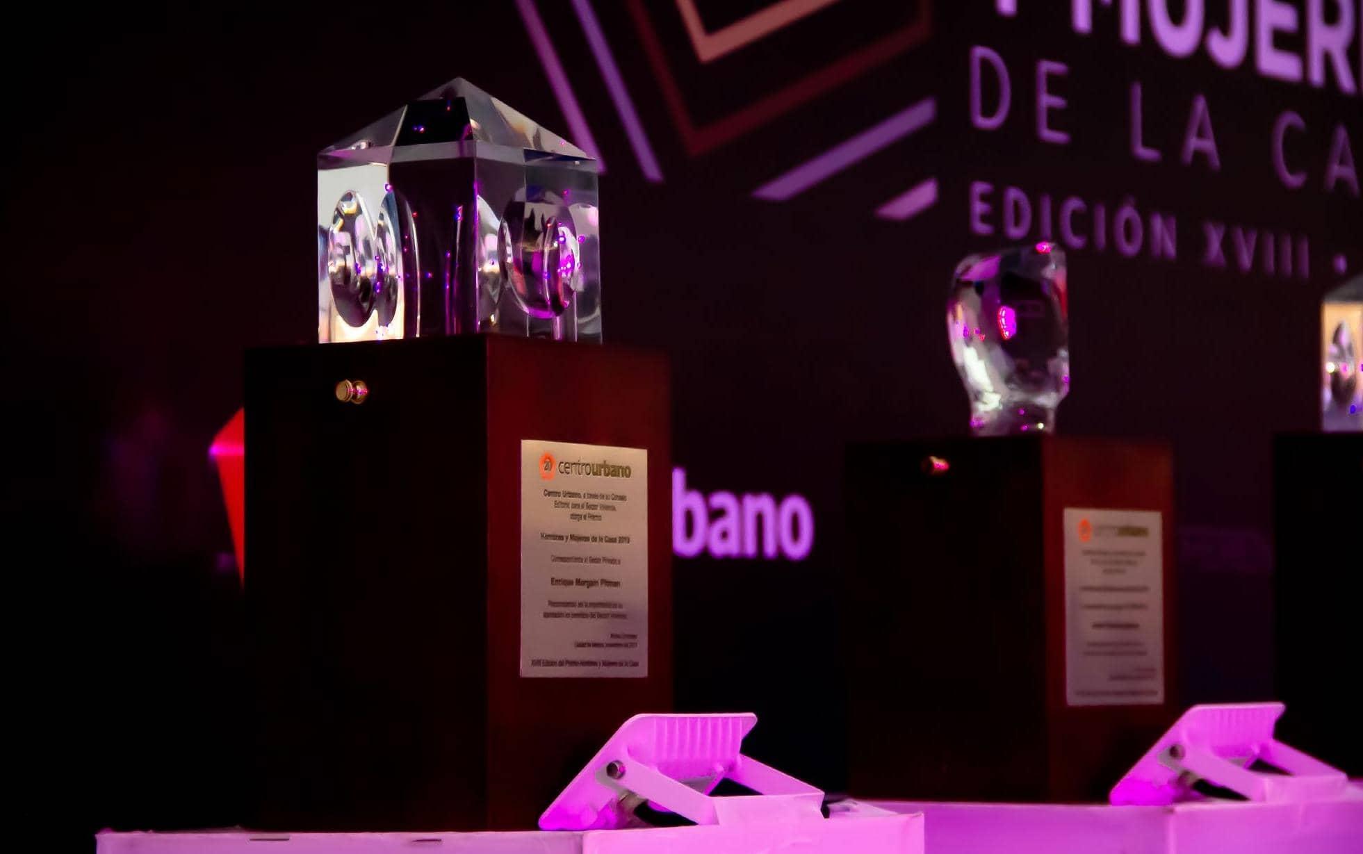GRANDES PERSONALIDADES SE REÚNEN EN LA FIESTA DE LA VIVIENDA 2019