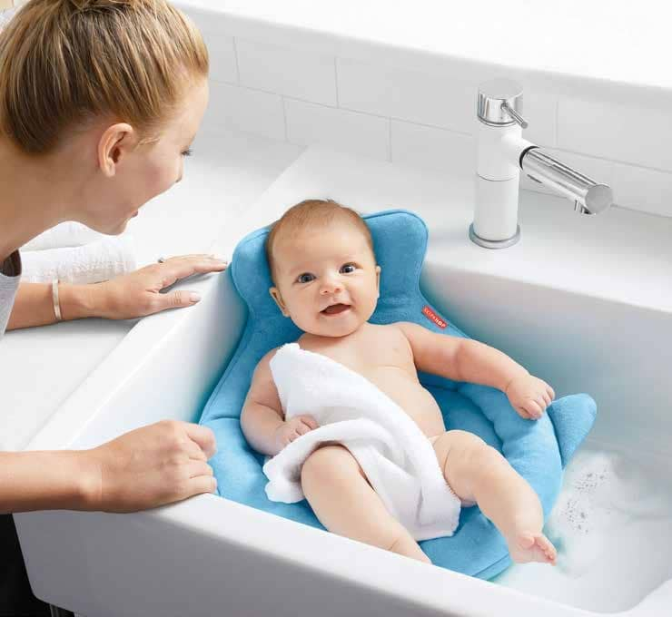 Make Bathtime A Breeze With These Baby Essentials