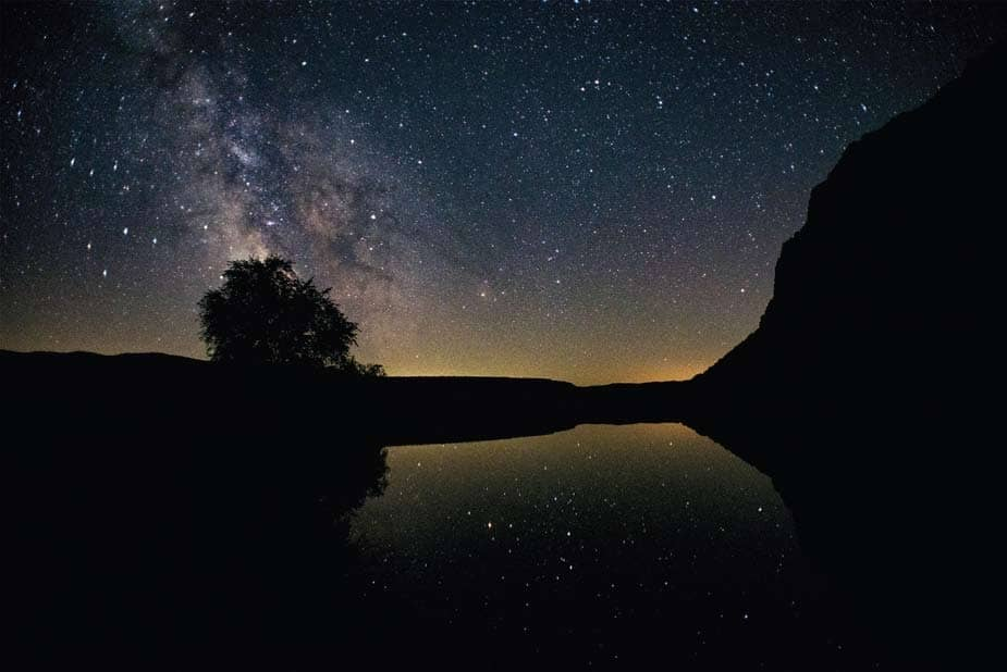 Chasing the Milky Way... and a comet